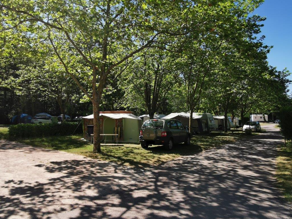 Location emplacements camping 3 étoiles