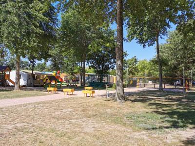 espace enfants au camping à Aizenay