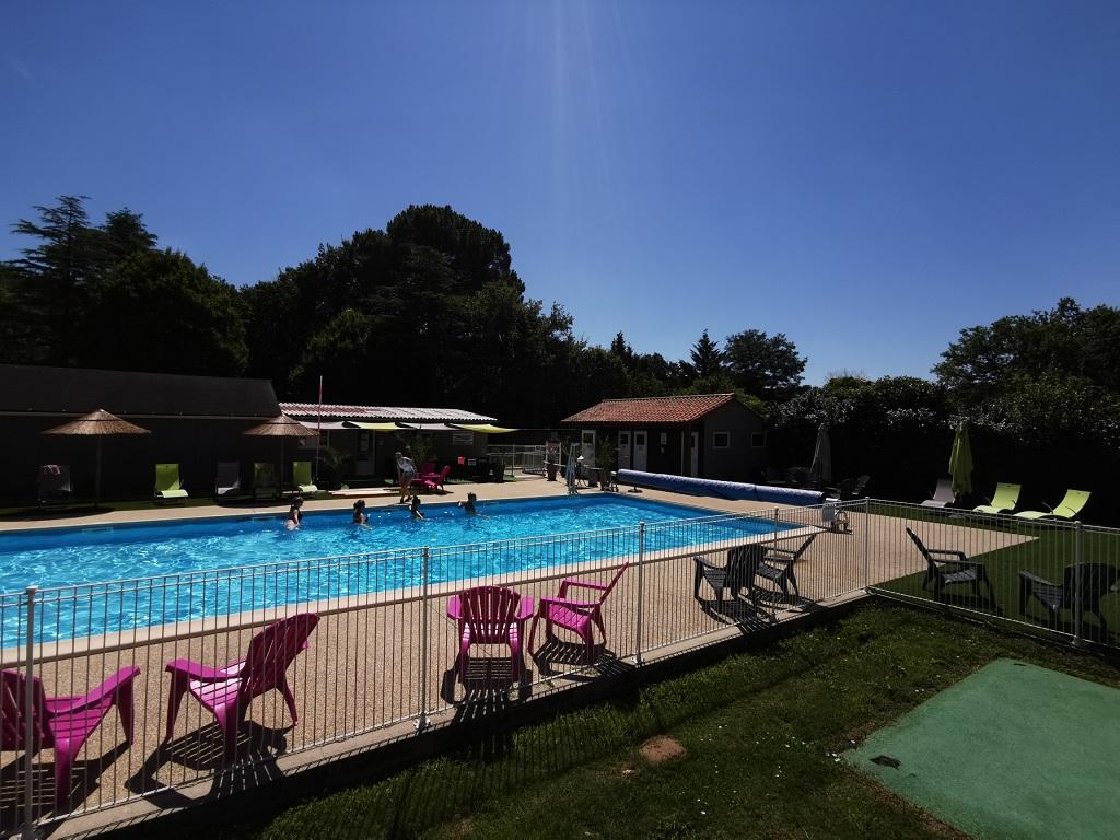 piscine chauffée du camping Aizenay